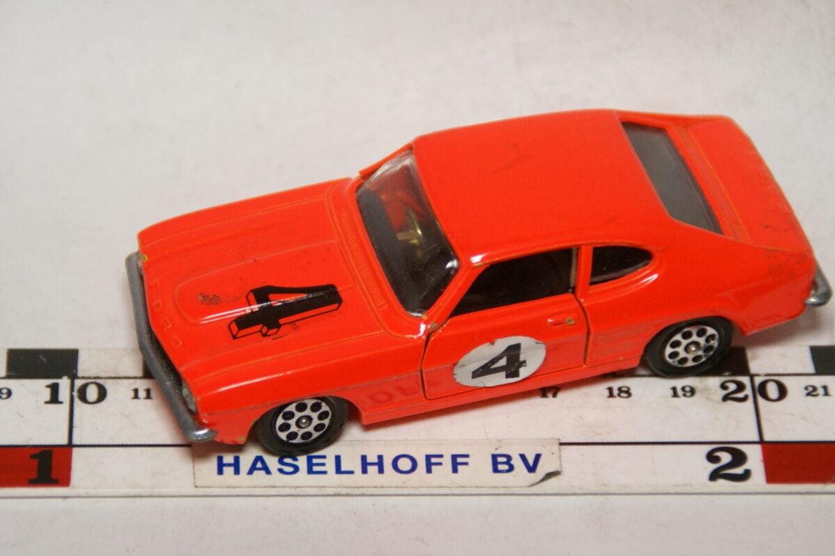 DSC07795 miniatuur Ford Capri 3l GT rood 1op43 Corgi Toys