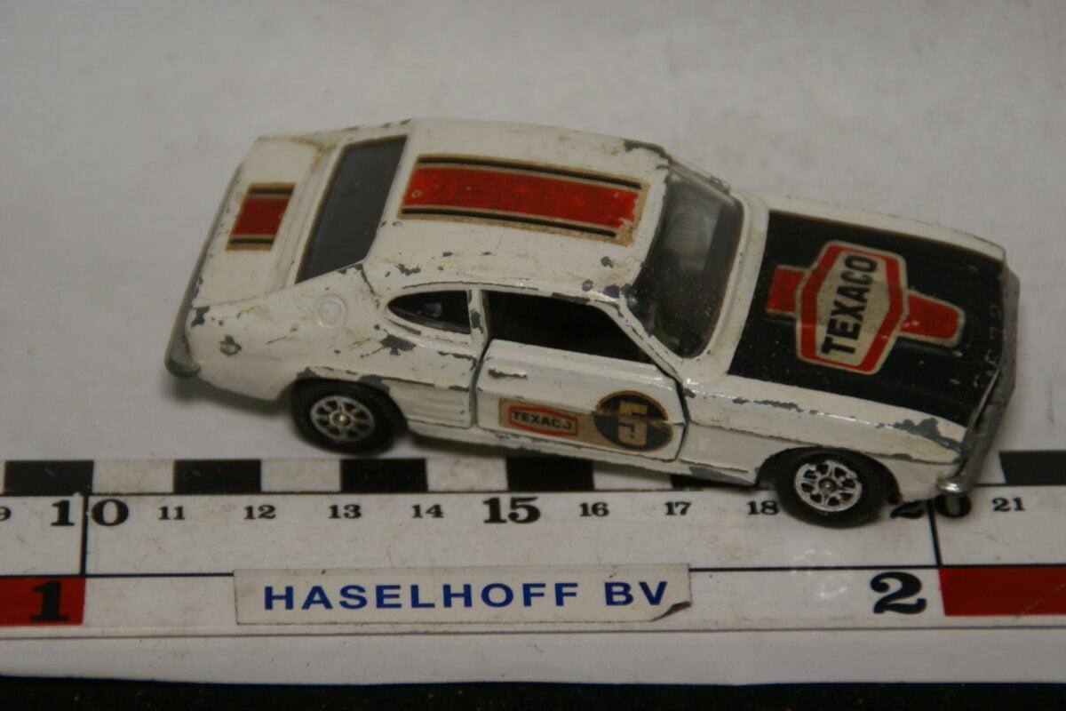 DSC07803 miniatuur Ford Capri 3l GT wit 1op43 Corgi Toys