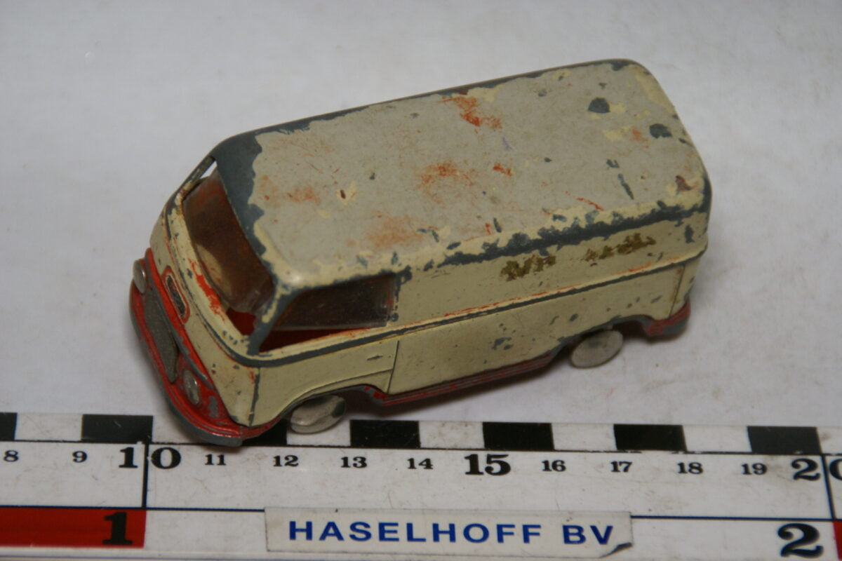 DSC07815 miniatuur Ford Taunus rood wit SE 1op43 Tekno DK