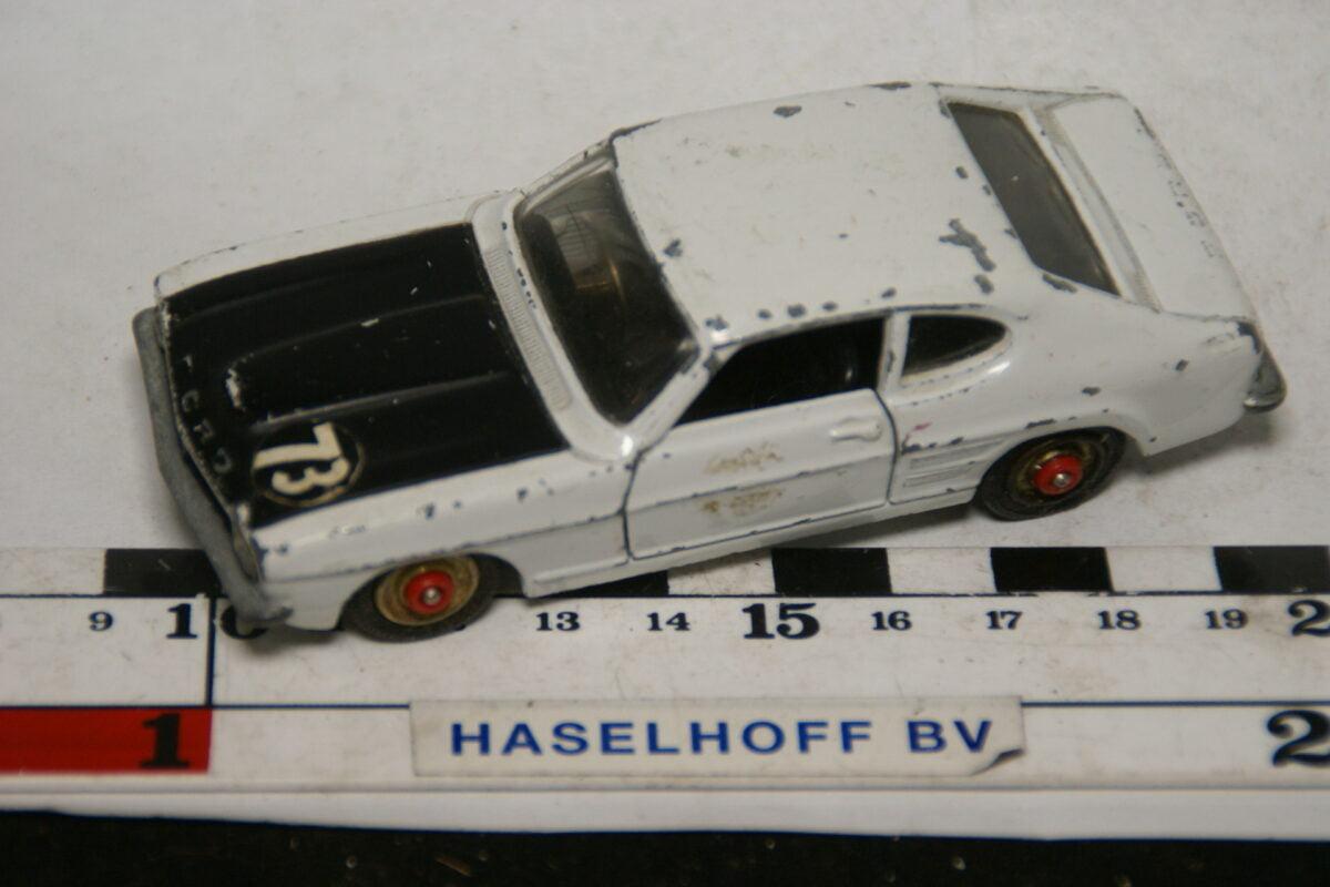 DSC07819 miniatuur Ford Capri 3l GT wit 1op43 Corgi Toys