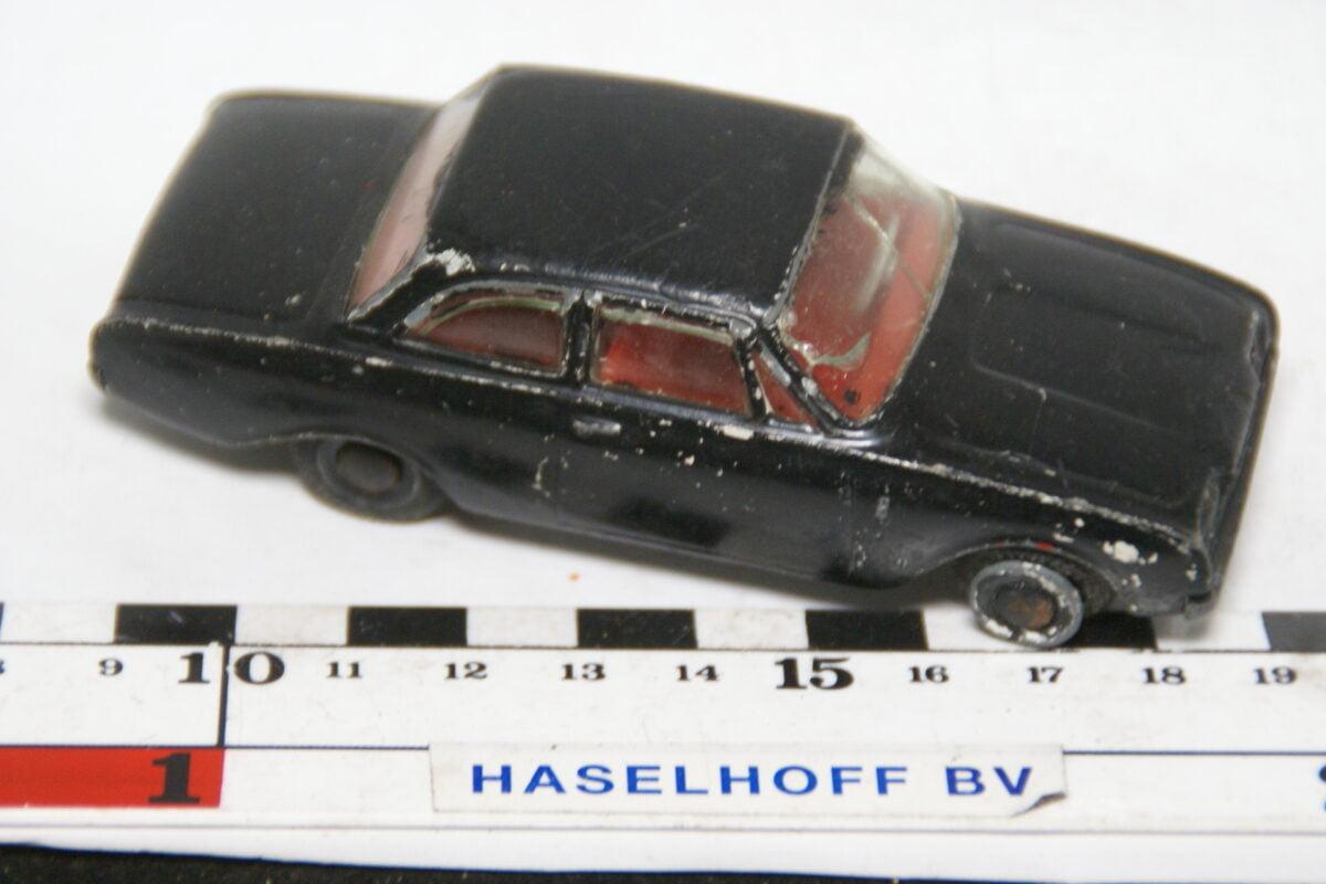 DSC07821 miniatuur Ford Taunus 17Mzwart 1op43 Tekno DK nr 826