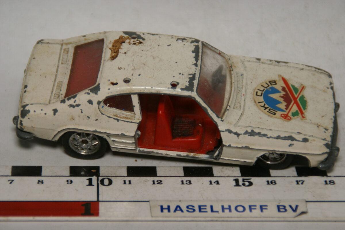 DSC07833 miniatuur Ford Capri wit 1op37 Guisval