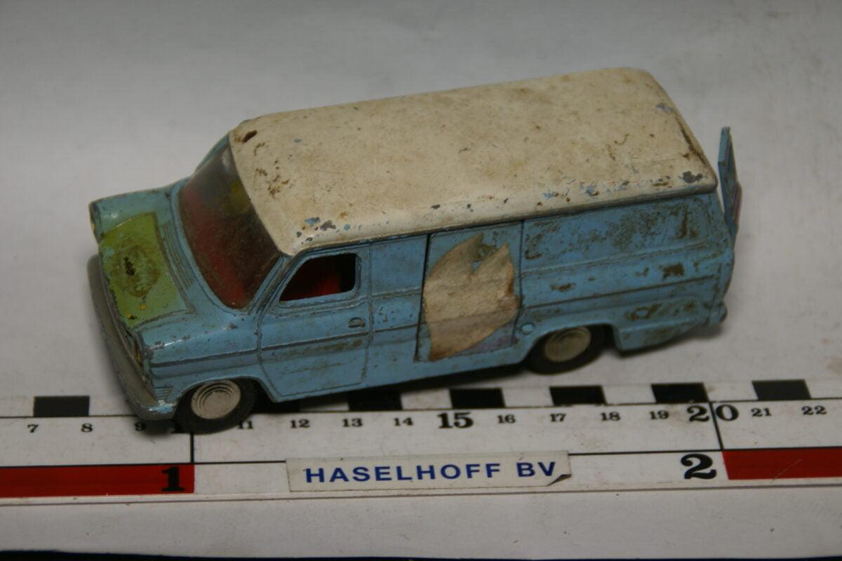 DSC07839 miniatuur Ford Transit van blauw 1op43 Dinky Toys nr 407
