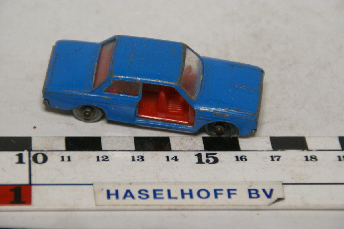 DSC07850 miniatuur Ford Taunus 17M blauw ca 1op70 Best Box nr 2511