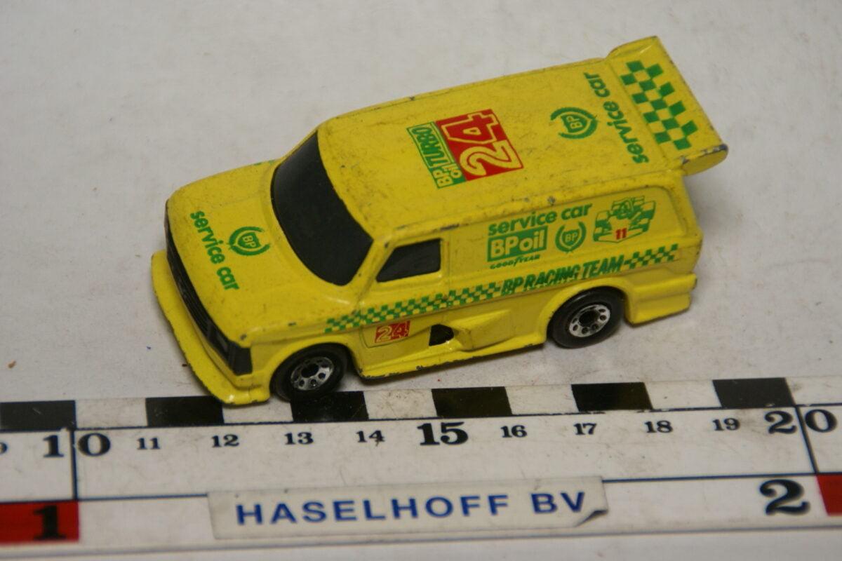 DSC07860 miniatuur 1970 Ford Transit Supervan geel ca 1op70 Matcbox