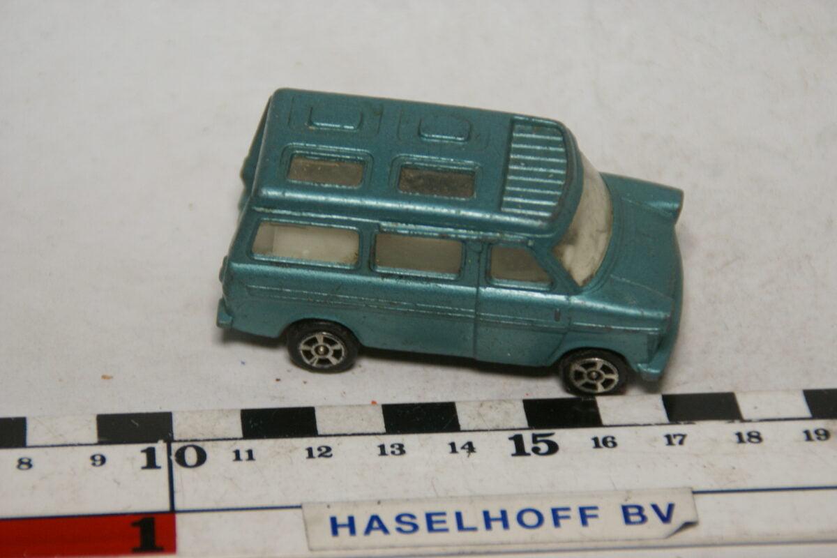 DSC07862 miniatuur ca 1970 Ford Transit caravan groen ca 1op70 Corgi Juniors