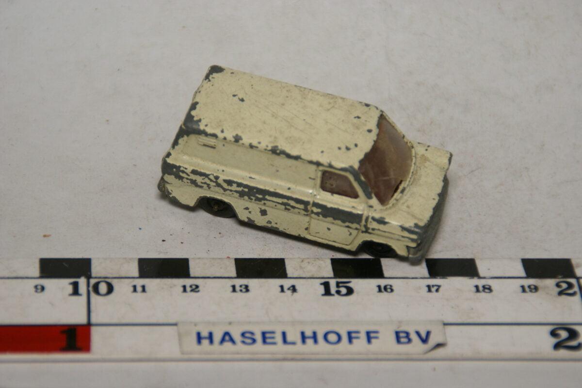 DSC07864 miniatuur Ford Transit van wit ca 1op70 made in Holland nr 411