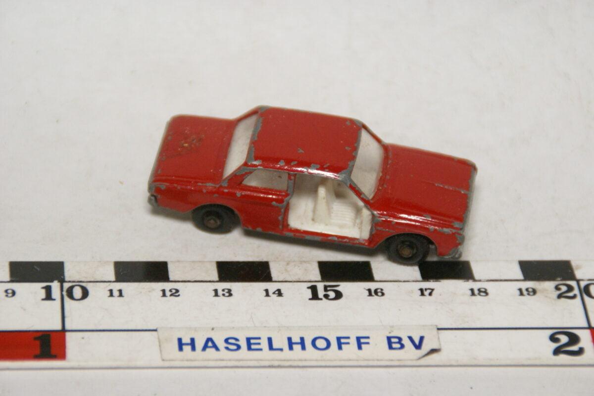 DSC07884 miniatuur Ford Taunus 12M rood ca 1op70 Best Box nr 2511