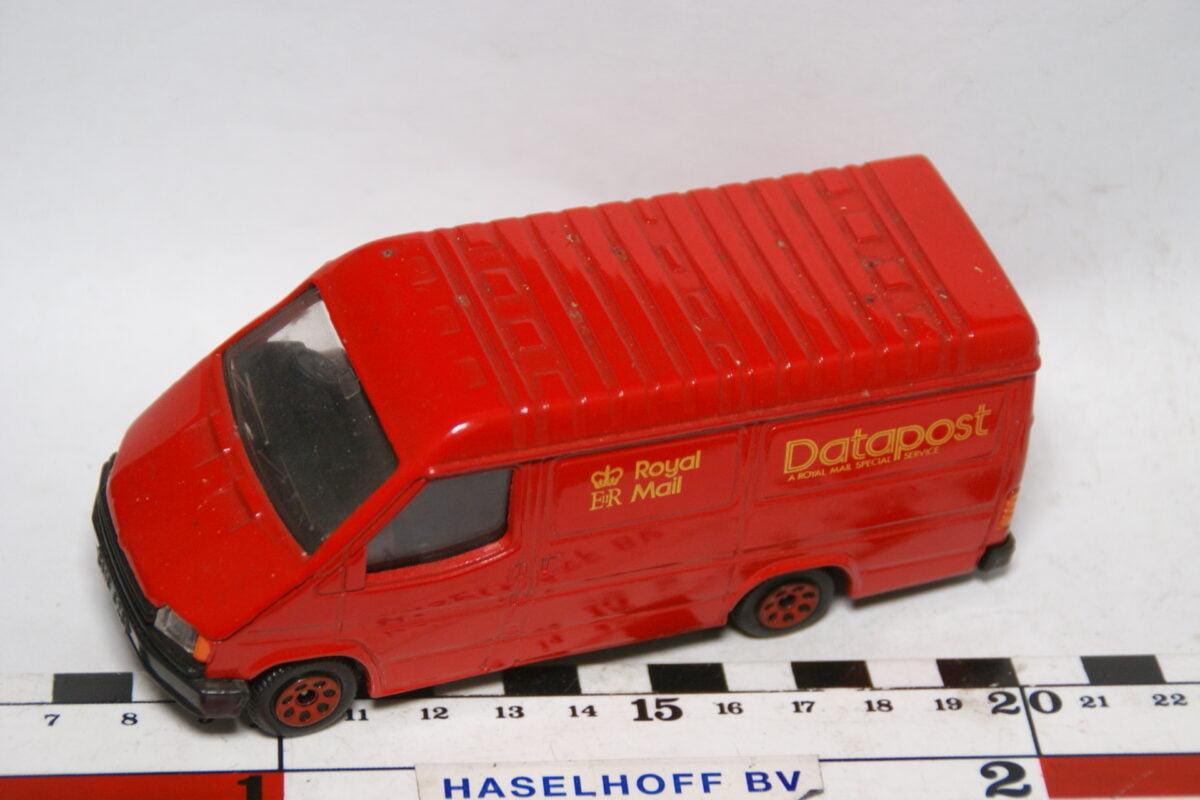 DSC07886 miniatuur Ford Transit Datapost rood ca 1op43 Corgi