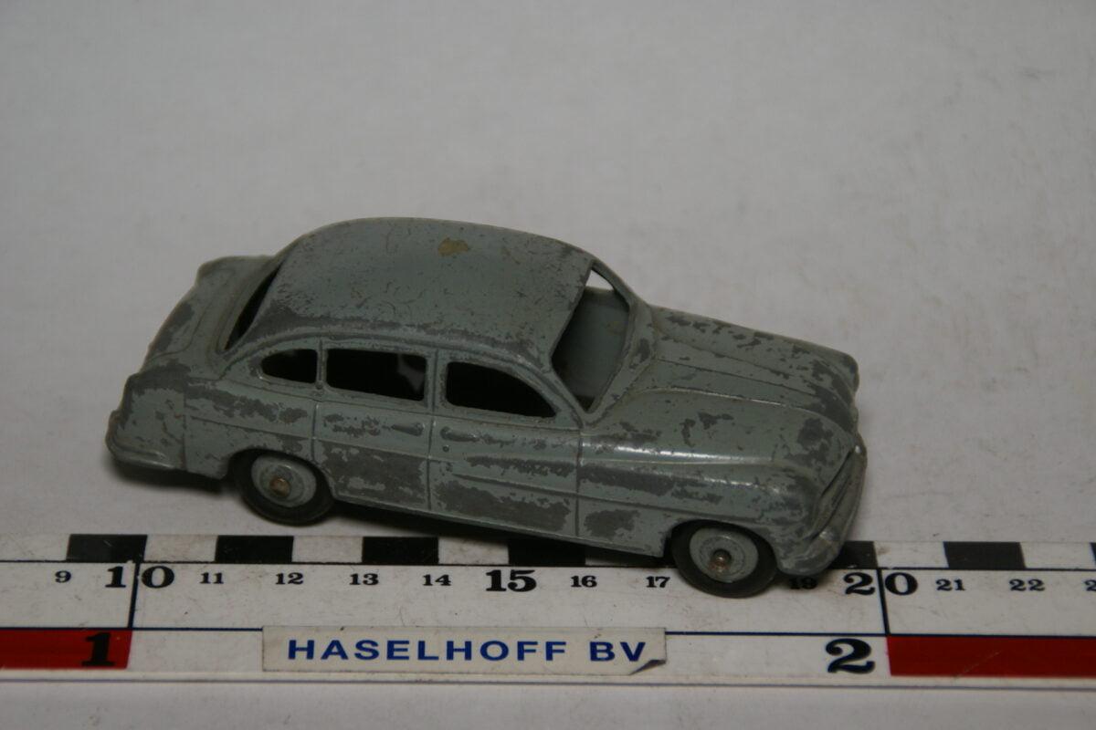 DSC07892 miniatuur Ford Vedette grijs  1op43 Dinky Toys