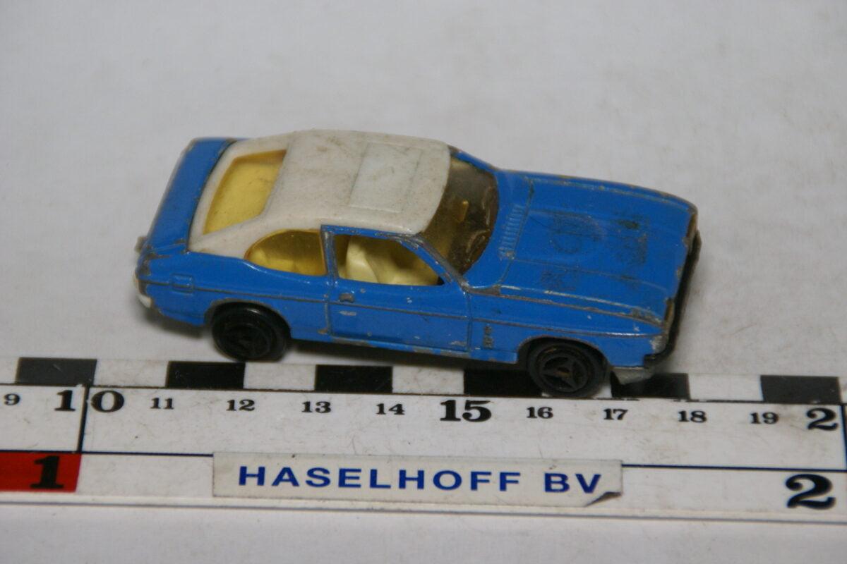DSC07894 miniatuur Ford Capri blauw wit 1op60 Majorette nr 251