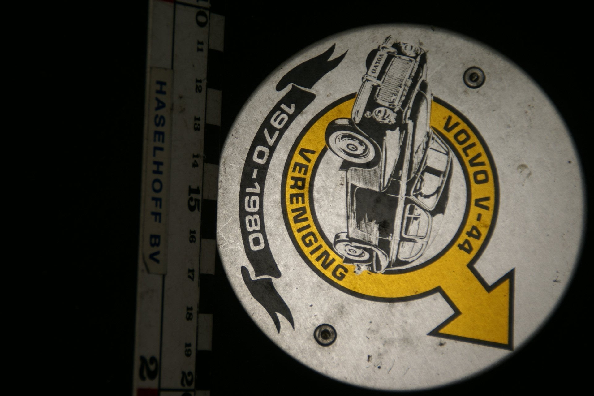 DSC08566 Volvo V44 vereniging 1970-1980 grille badge