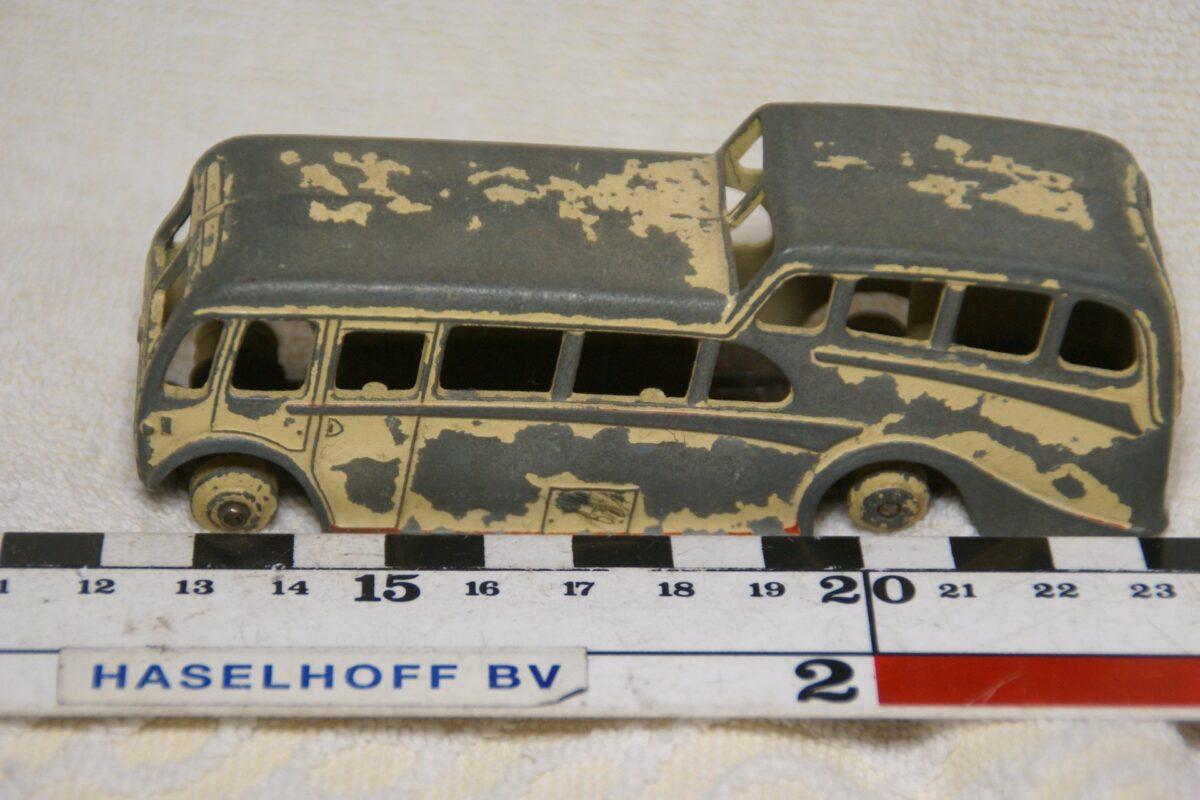 DSC08598 miniatuur bus observation Coach wit ca 1op43 Dinky Toys