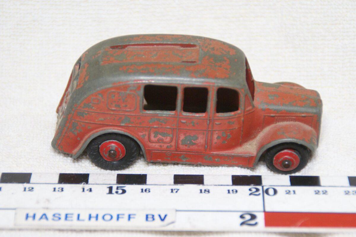 DSC08600 miniatuur brandweerauto rood ca 1op43 Dinky Toys 250
