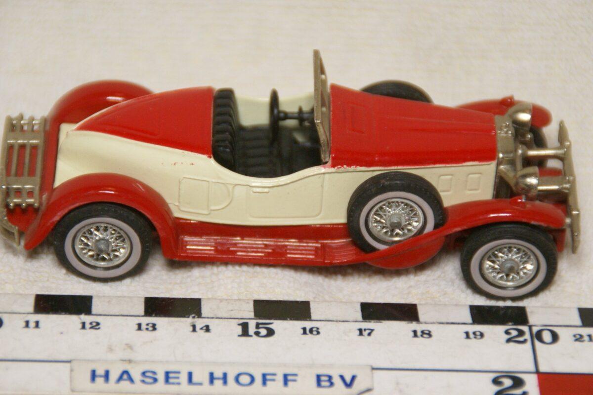 DSC08606 miniatuur 1931 Stutz Bearcat rood wit ca 1op43 Matchbox Y14 mint