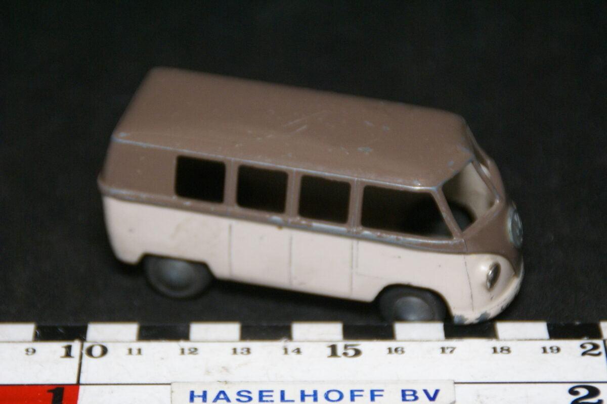 DSC08915 miniatuur Volvkswagenbus bruin beige 1op43 Tekno DK