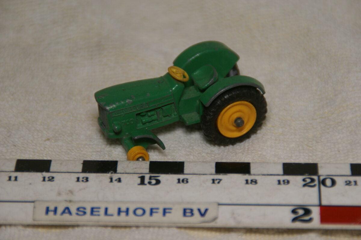 DSC08938 miniatuur tractor groen ca 1op70 Matchbox Lesney nr 50