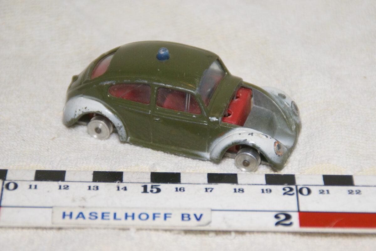 DSC08944 miniatuur Volkswage kever groen wit 1op43 Gamdakoor Israel