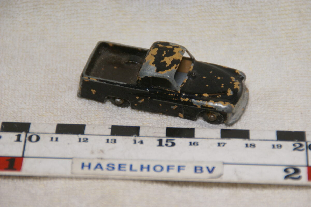 DSC08954 miniatuur Commer pick-up mk VIII bruin ca 1op70 Lesney