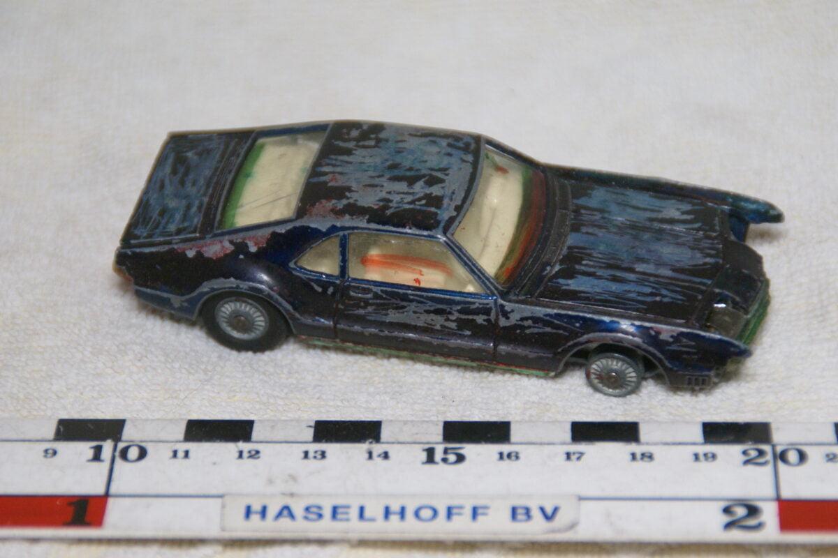 DSC08960 miniatuur Oldsmobile Toronado zwart ca 1op43 Corgi Toys