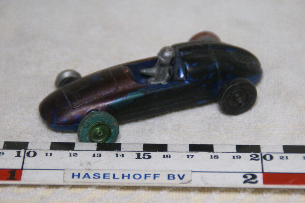 DSC08964 miniatuur Porsche F1 zwart ca 1op43 Ingap Italie