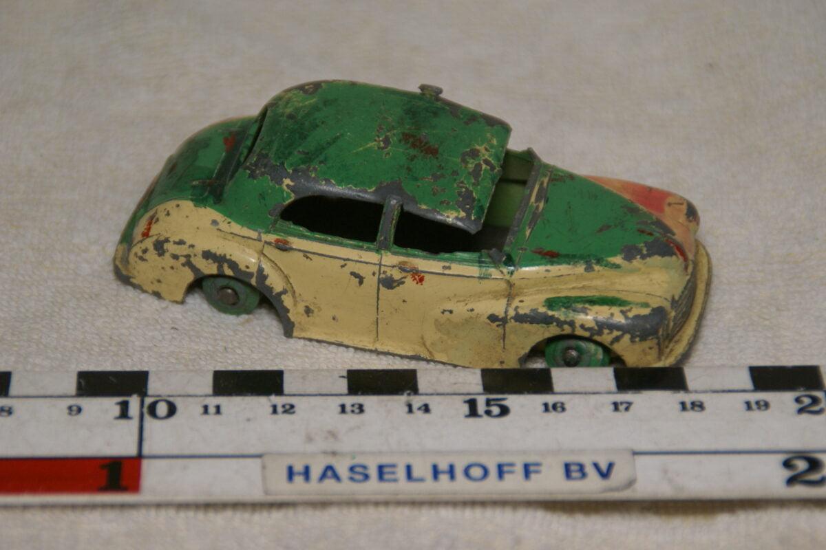 DSC08968 miniatuur Morris Oxford groen beige 1op43 Dinky Toys