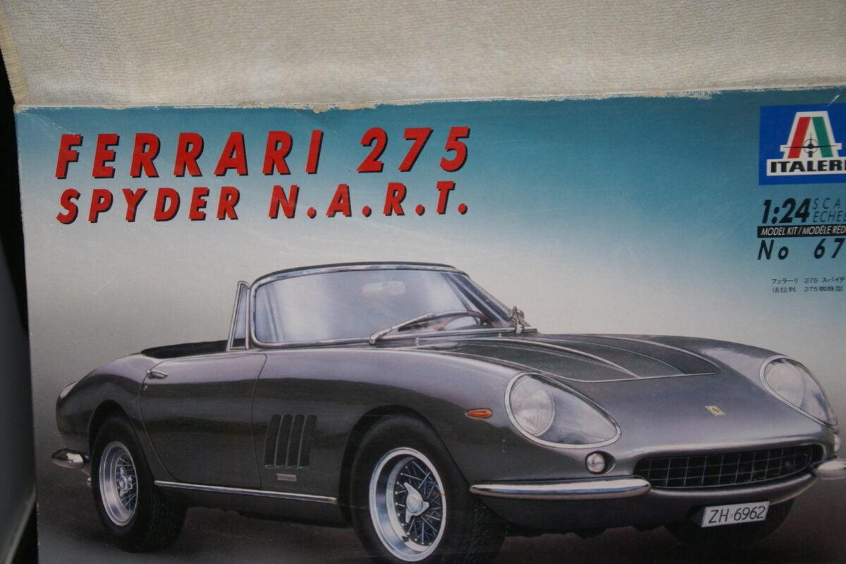 DSC08989 miniatuur Ferrari 275 Spyder N.A,R.,T. kit 1op24 Italieri Italy MB