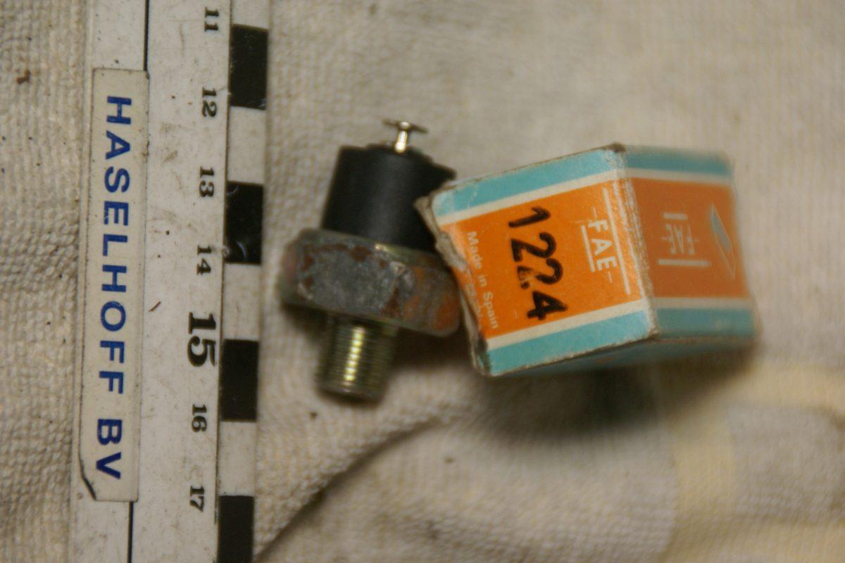 DSC01082 oliedrukzender 1224 NOS
