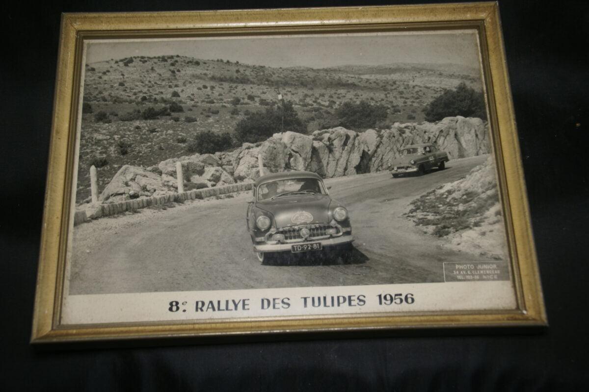 DSC01182 foto ingelijst Tulpenrally 1956 met Opel Rekord nr 157