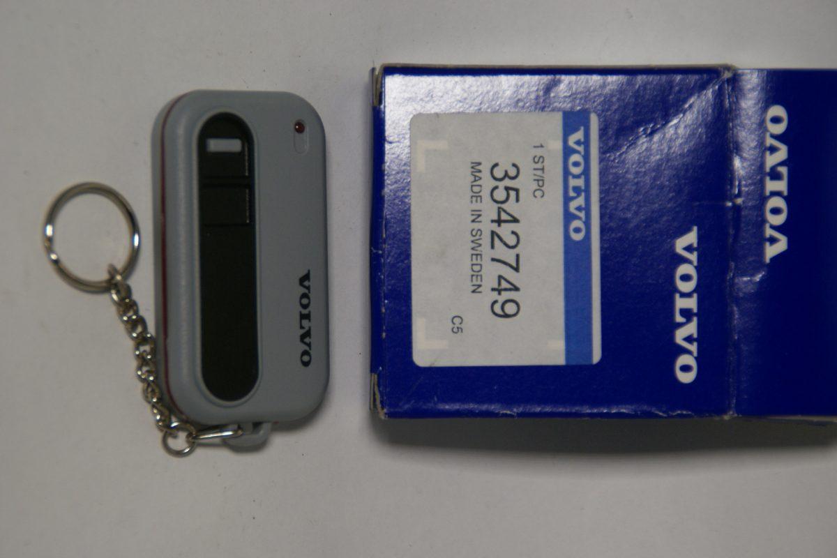 DSC01243 Volvo afstandsbediening 3542749 NOS
