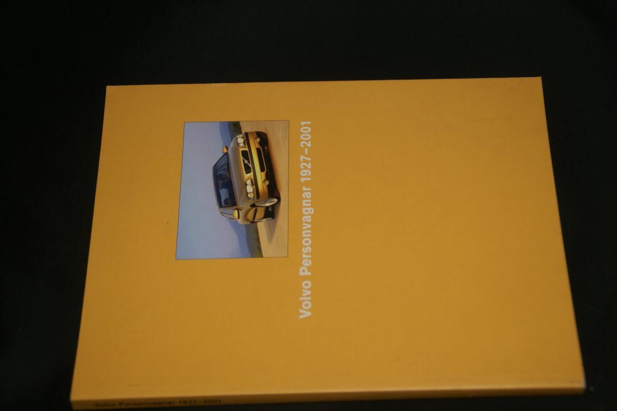 DSC01252 boek Volvo cars ISSN 1927-2001 1104-9928
