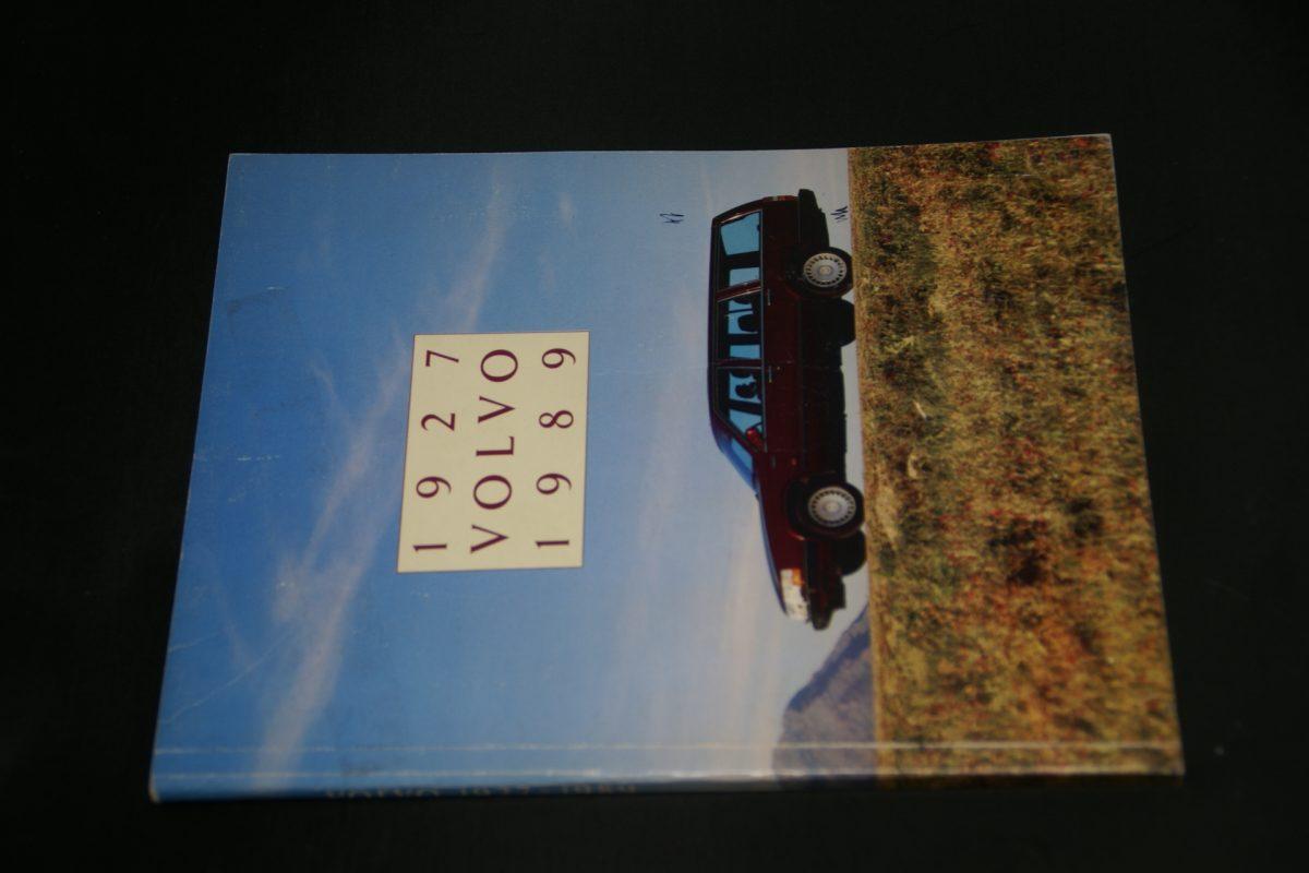 DSC01255 boek Volvo cars 1927-1989