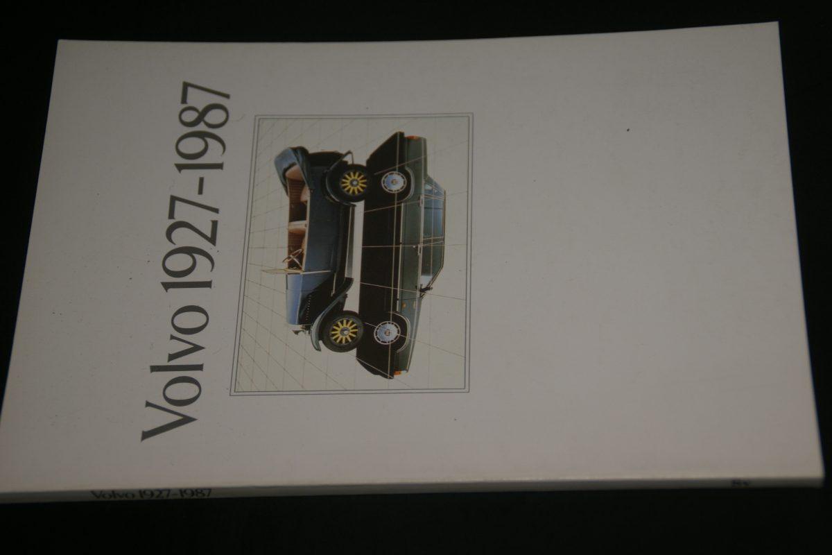 DSC01273 boek Volvo 1927-1987 870201
