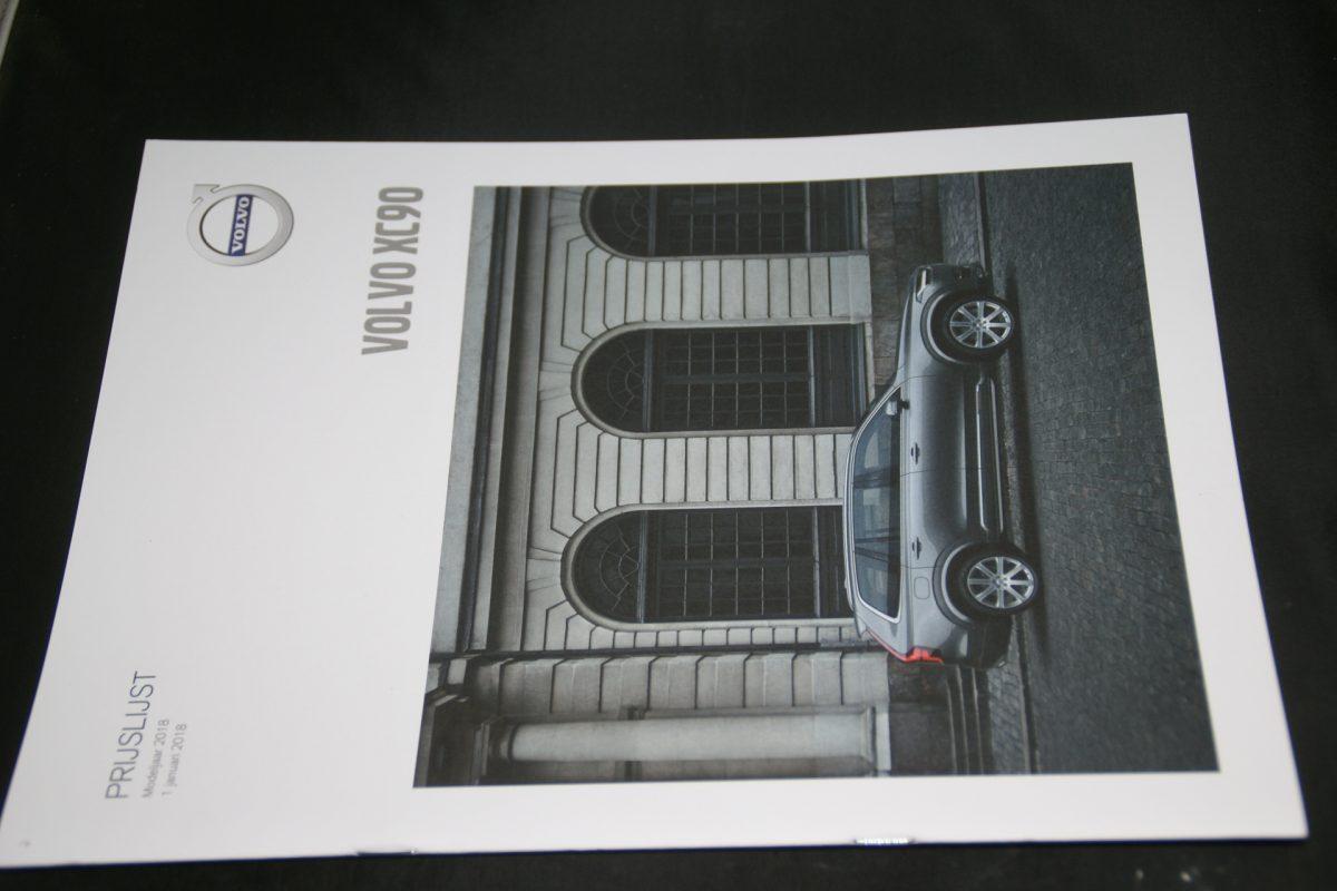 DSC01283 brochure Volvo XC90 MY 18 01-2018-NL (V4 mint)