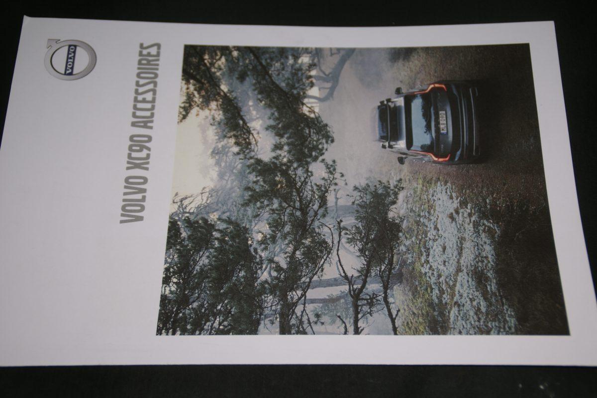 DSC01285  brochure Volvo XC90 accessoires MY 19-6-2018-V1 mint