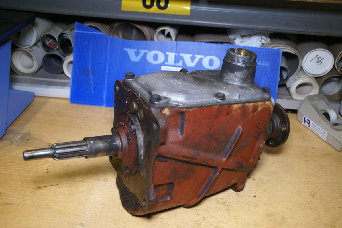 DSC01360 Volvo M40 versnellingsbak 330100