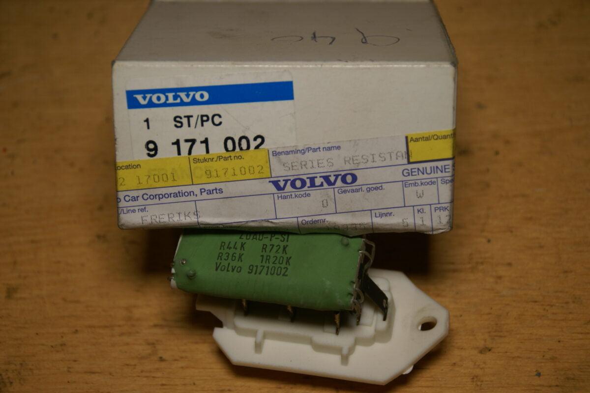 DSC01464 Volvo 700 900 geen AC kachelweerstand 9171002 NOS 70