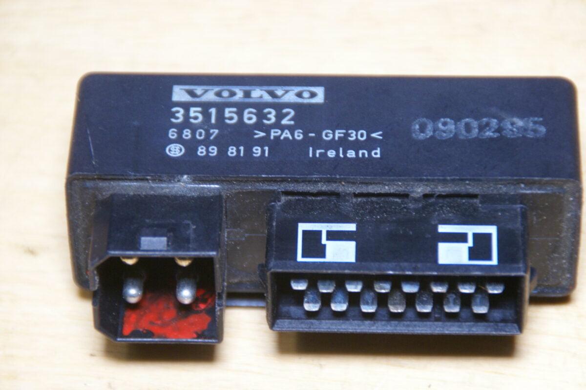 DSC01473 Volvo 850 V70 ABS module 3515632