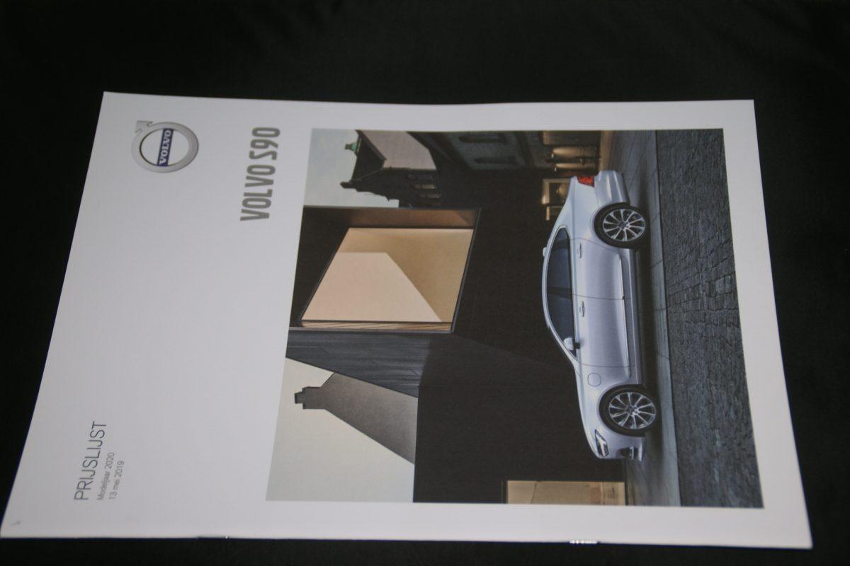 DSC01533 2020 Volvo S90 brochure V1 nieuwstaat
