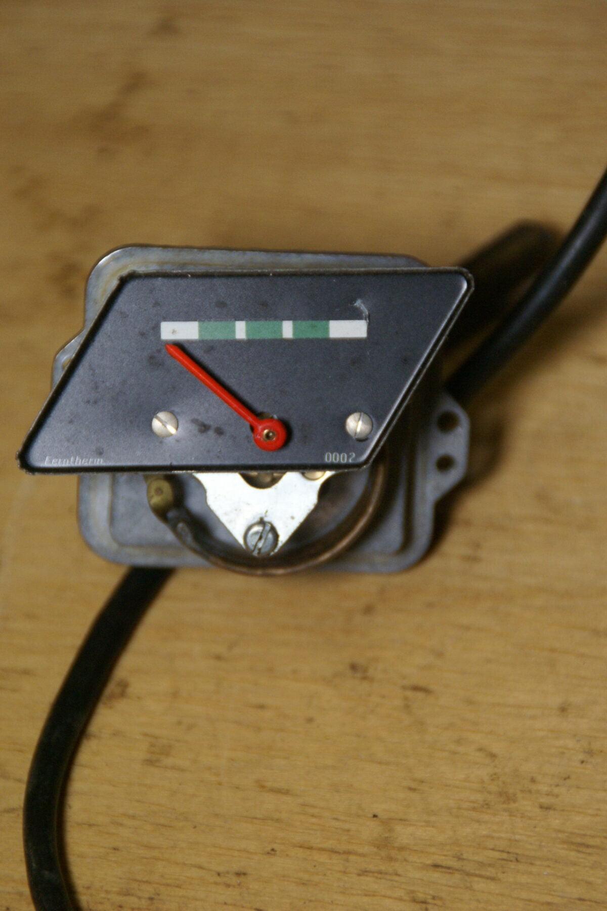 DSC01557 Volvo Amazon thermometer met capillair