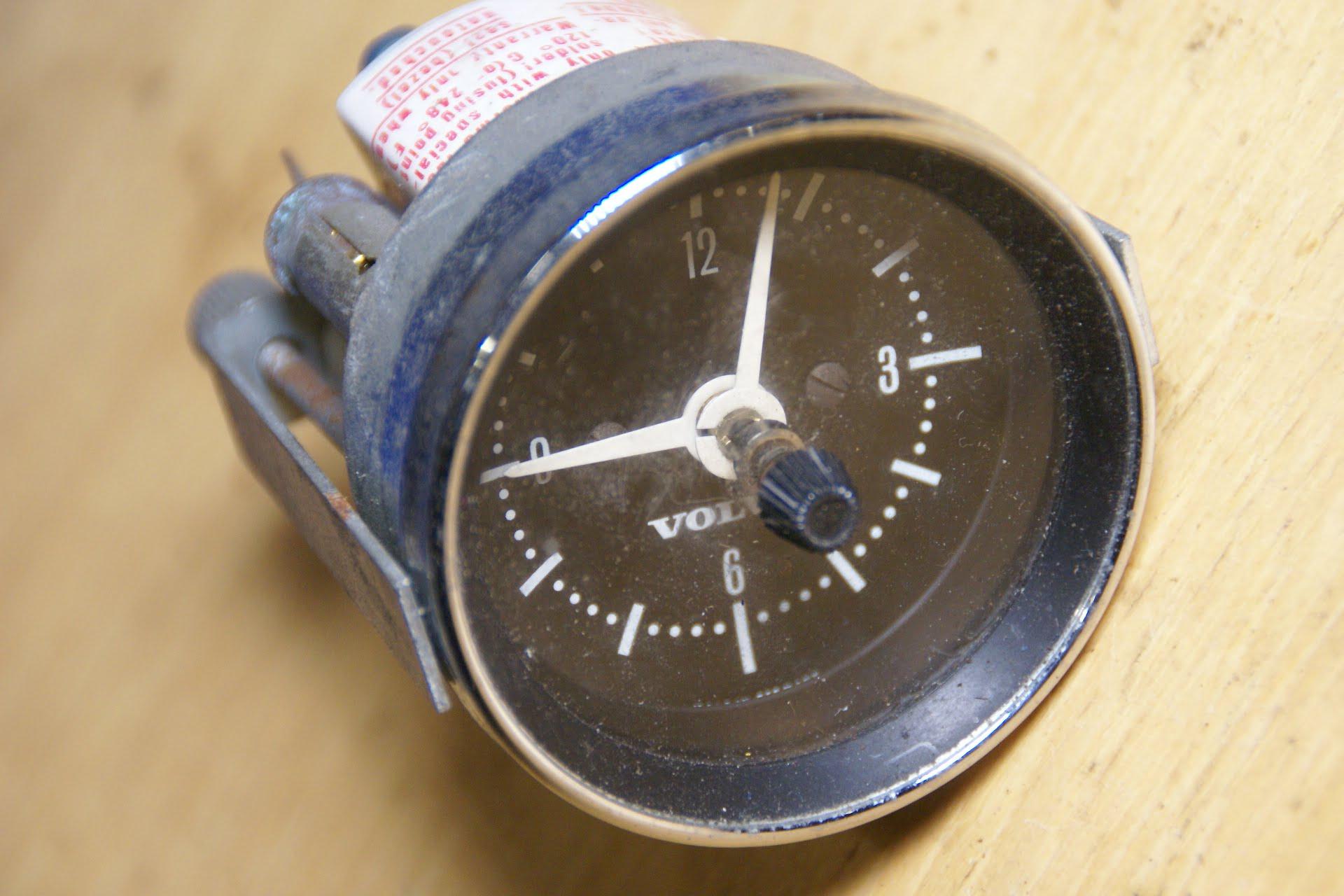 DSC01593 Volvo klok 52 mm chroomrand