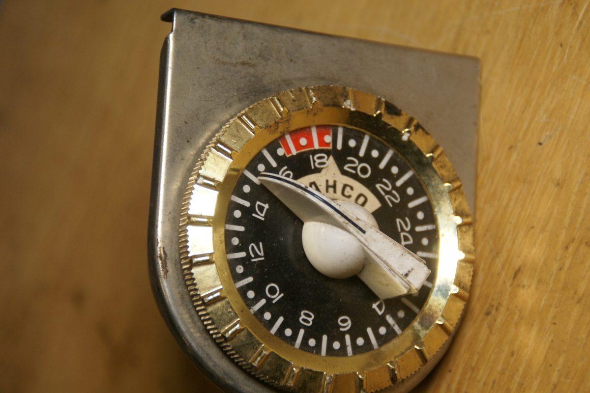 DSC01602 Bahco timer voor motorverwarmer met montageplaat
