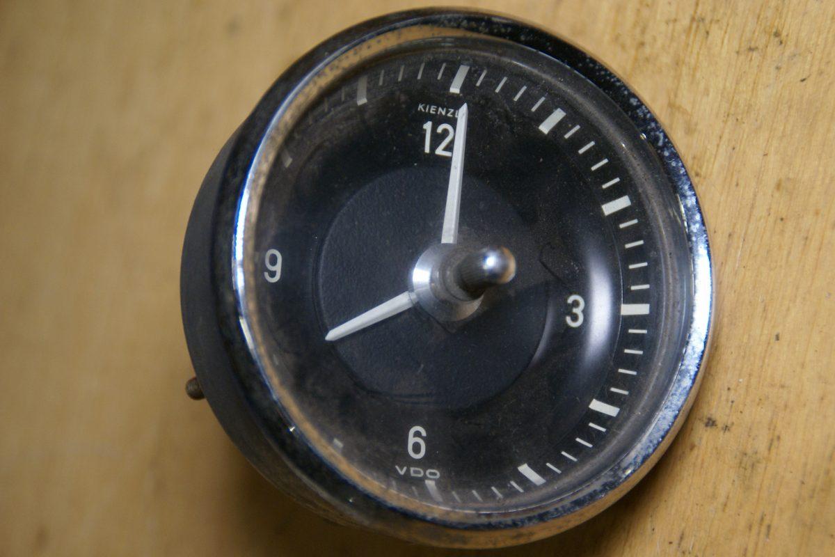DSC01607 VDO klok 52 mm chroomrand