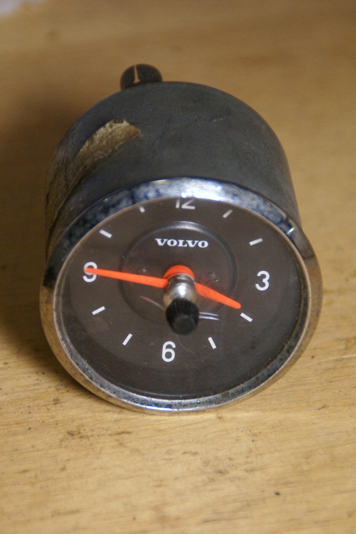 DSC01619 Volvo klok 52 mm chroomrand