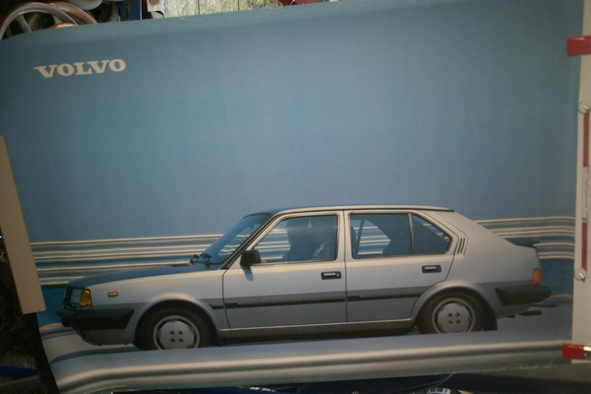 DSC02130 1985 Volvo 360GLE zilver poster ASPCARBV1851