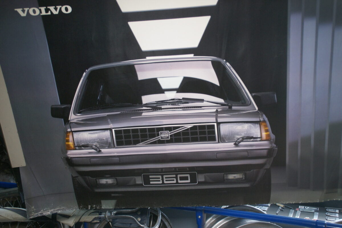 DSC02136 1986 Volvo 360GLE grijs poster ASPCARBV2337