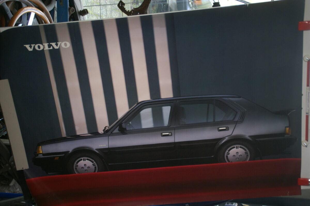 DSC02160 1986 Volvo 360GLT zwart poster ASPCARBV2336