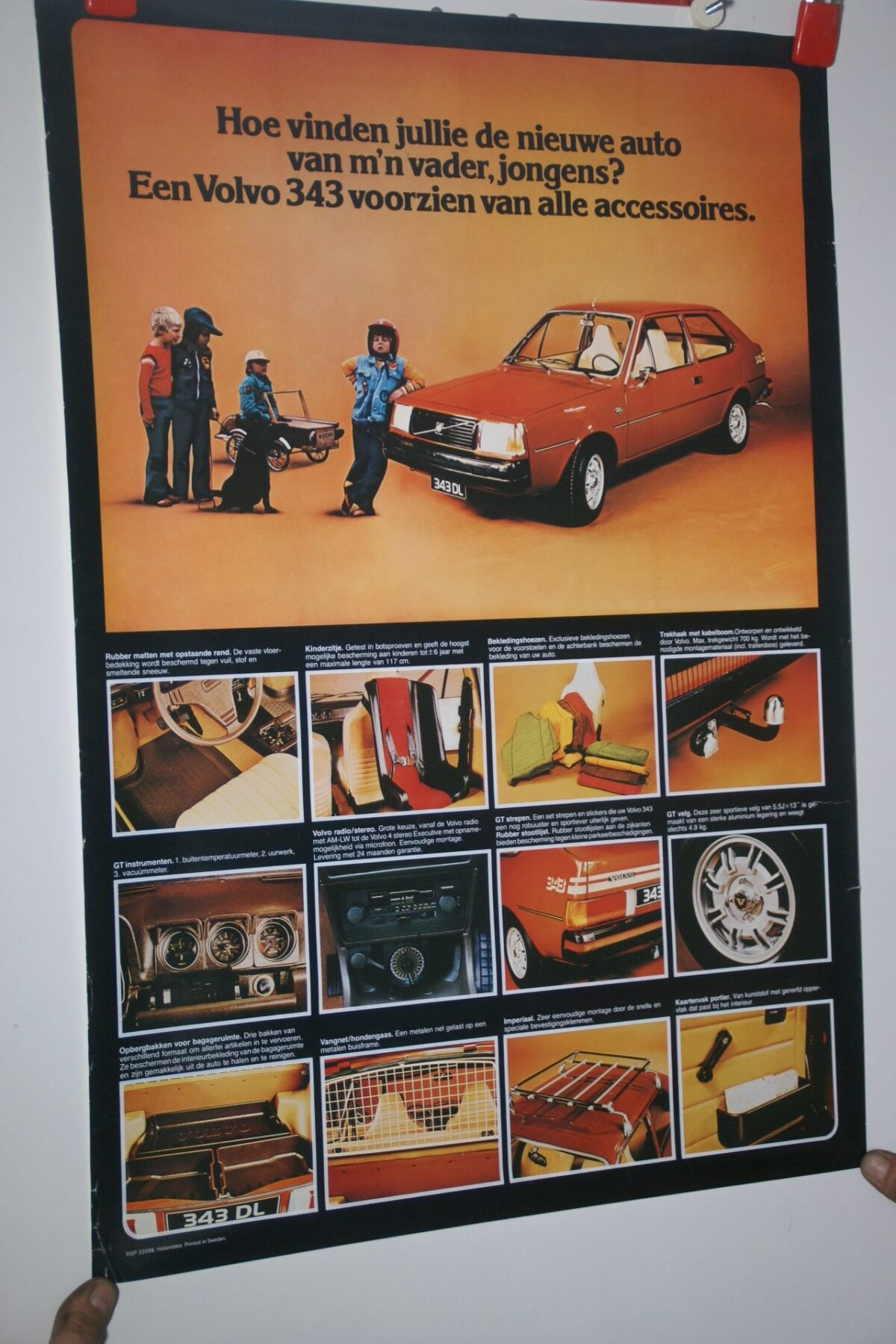 DSC02180 ca. 1977 Volvo 343 rood poster RSP33598