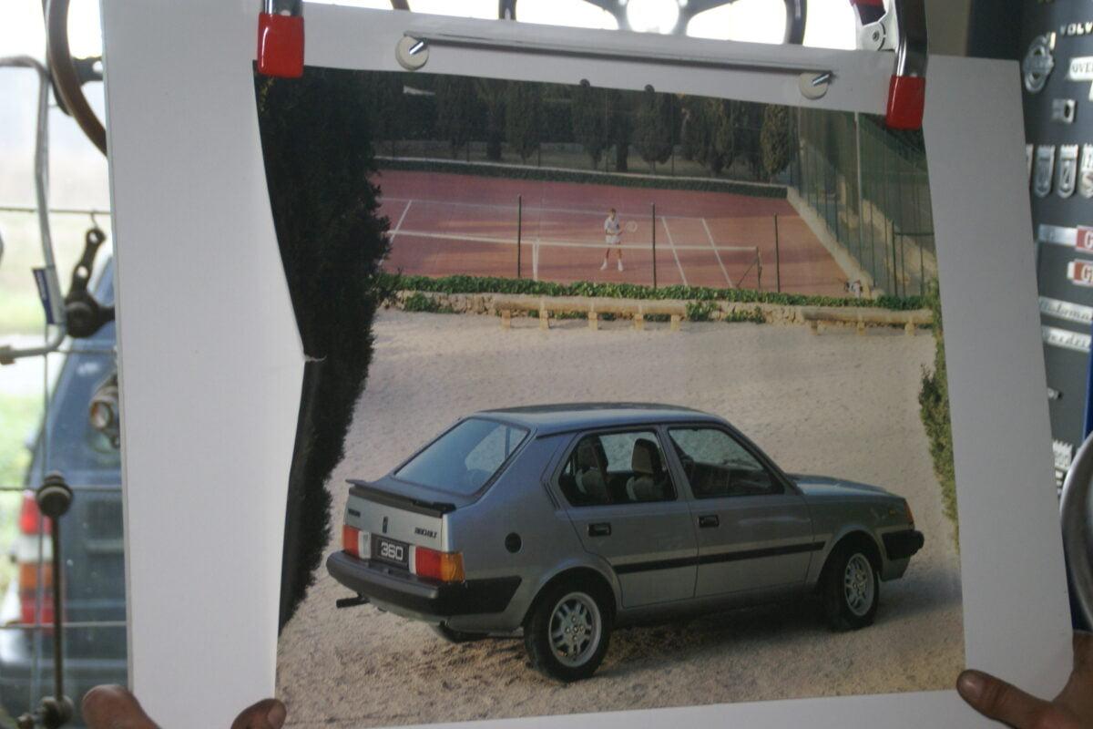 DSC02185 1985 Volvo 360GLE grijs poster ASPCARBV1393