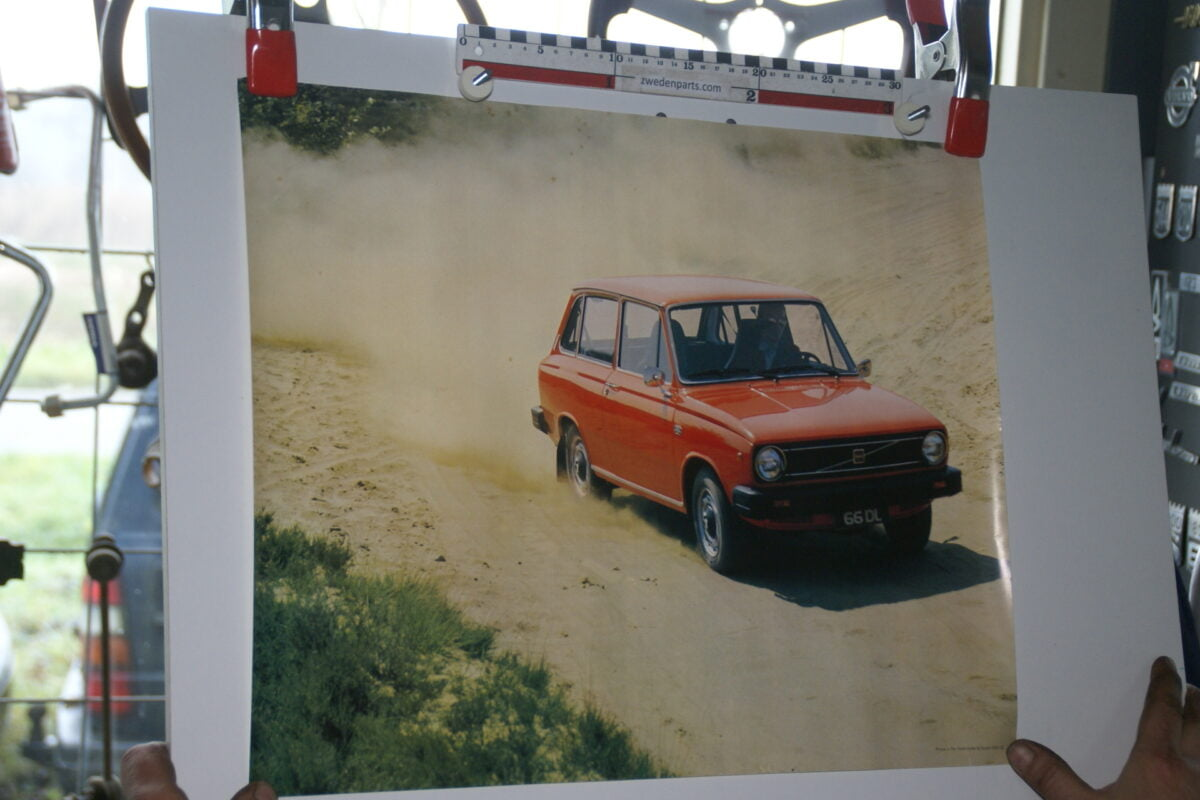 DSC02205 ca 1977 Volvo 66DL rood poster